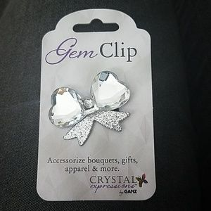 Jewelry - 🆕️ Crystal Expressions by Ganz Gem Bow Clip 🎀